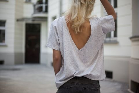 WHITE PEPPER T-SHIRT WITH OPEN BACK <3 one of our favourite summer pieces! Get your summer basics @ theodderside.com