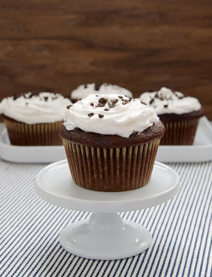 Cookies and Cream Filled Cupcakes | Bake or Break