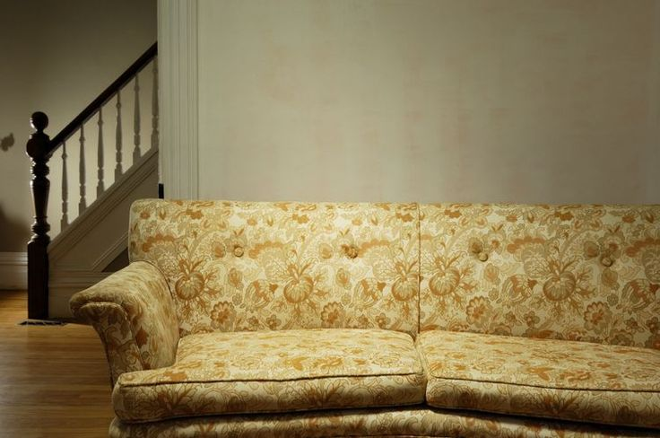 Best 20 Old Sofa Ideas On Pinterest Reupholster Couch