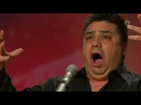 ▶ Amazing Video from Sweden got Talent 2010, Sings better then Paul Potts - English subtitles ! - YouTube