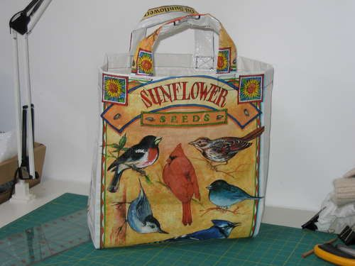 Tutiorial...I can't believe I found this. My friend was just telling me about this. Dog, bird, or even cat food bags upcycled to reuseable shopping bag.