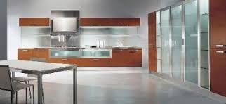 Resultado de imagen para gabinetes de cocina en madera y vidrio