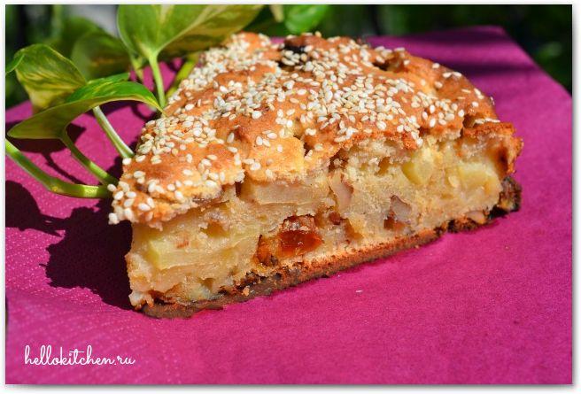 Творожно яблочный пирог