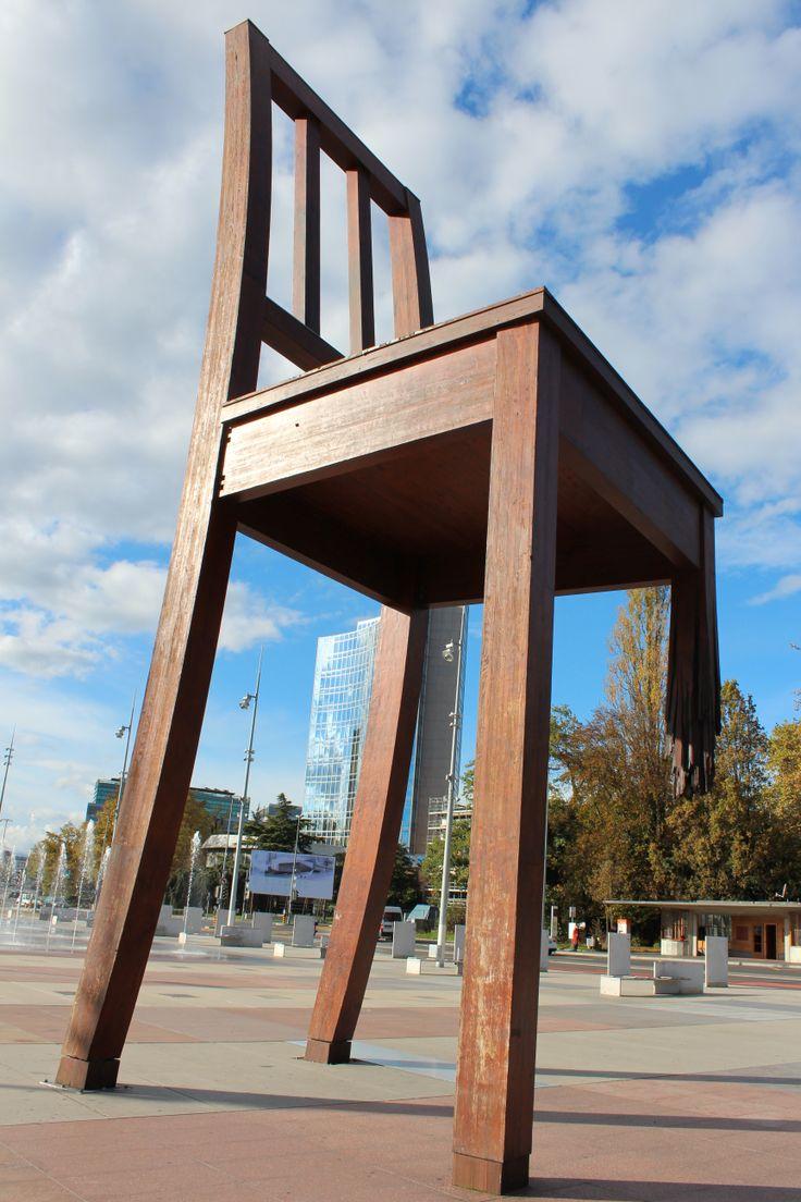 Geneve - United Nations (Broken Chair)