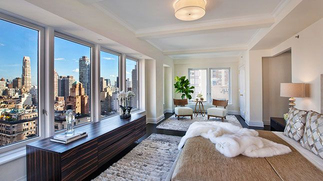 Vendu: Le condo de Donald trump | CHEZ SOI Photo: ©Architecturaldigest.com | Scott Wintrow/Gamut Photos #deco #immobilier #condo #luxe #newyork #maisondereve #maisondestars