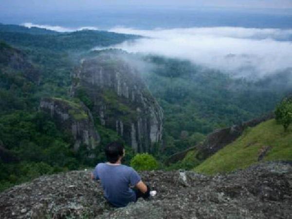 Gunung Nglanggeran/Gn. Api Purba|Ds. Nglanggeran, Kec. Patuk, Kab. Gunung Kidul /via @LiburanJogja