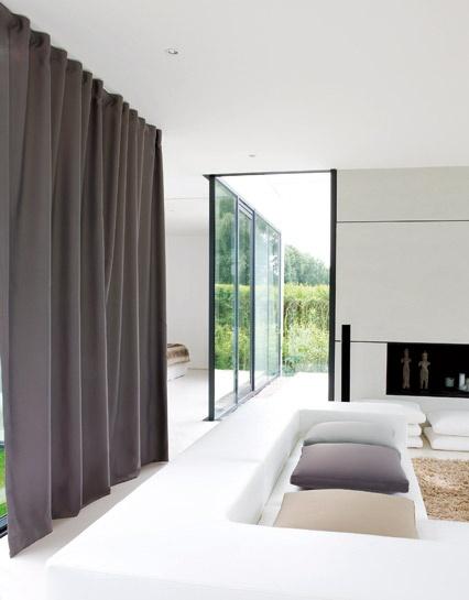 Moderne gordijnen woonkamer ochtend schoonmaakwerk - Gordijnen voor moderne woonkamer ...