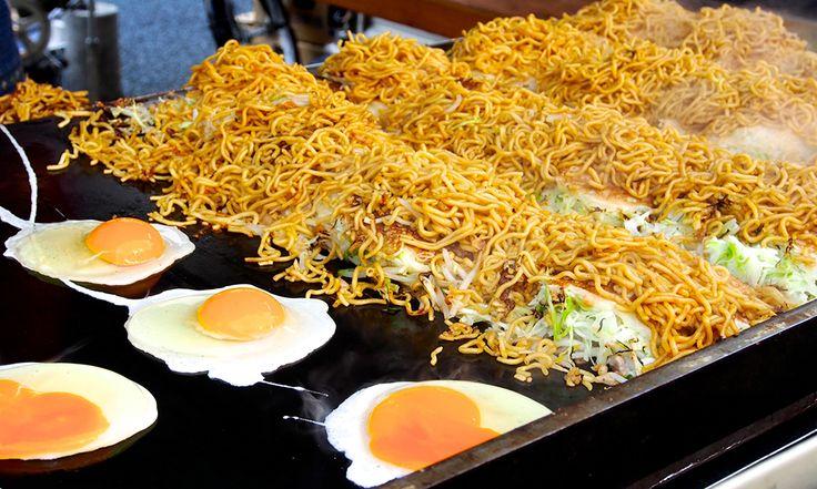 히로시마풍 오코노미야키를 먹어 보자!