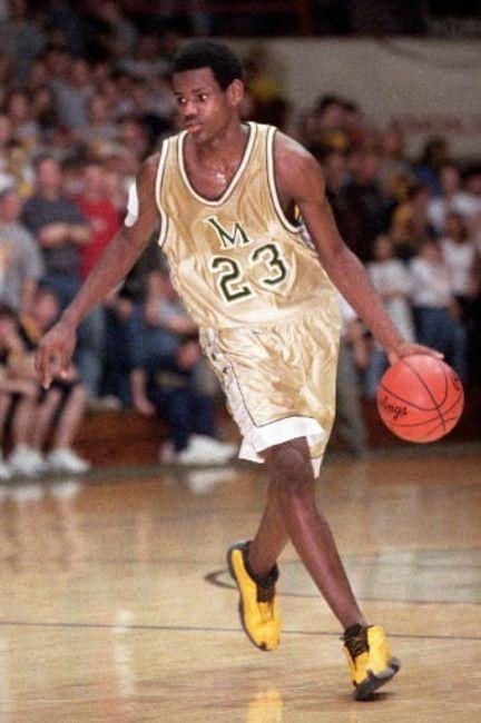 ... Lebron James o maior jogador de basquetebol em atividade hoje no