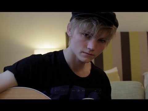 Ulrik Munther - Glad I Found You  Post By http://only2us.com/