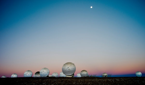 High in Chilean Desert, a Huge Astronomy Project - NYTimes.com | for further information visit www.explora.com