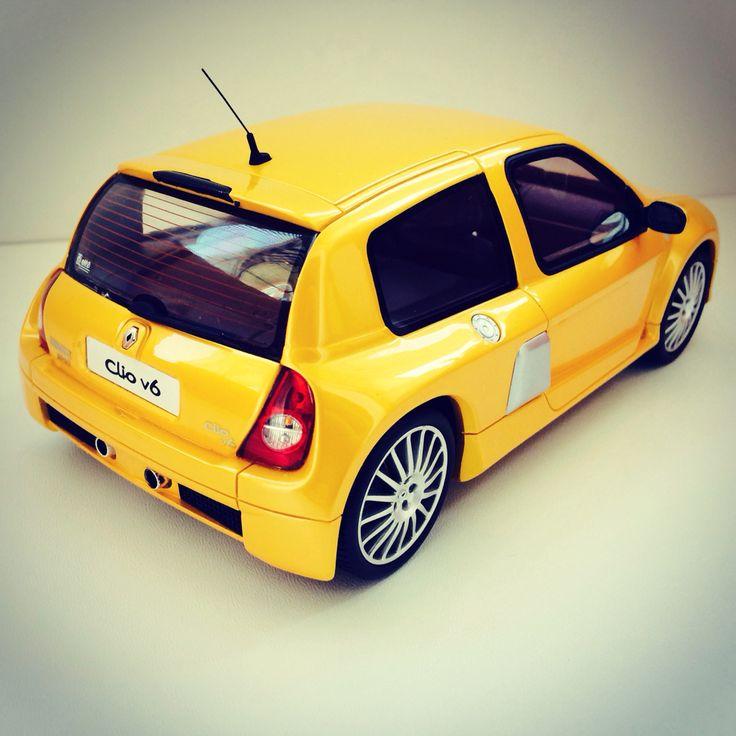Renault Clio v6 1:18 scale by OttOmobile Ltd