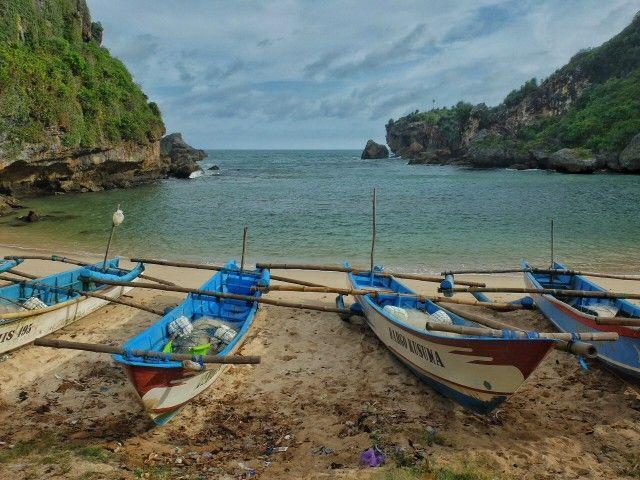 Ngerenehan Beach - Hidden beaches in Gunung Kidul, Central Java, Indonesia