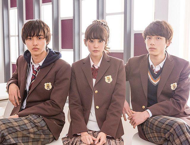 「ヒロイン失格」で制服姿を披露する桐谷美玲、山崎賢人、坂口健太郎