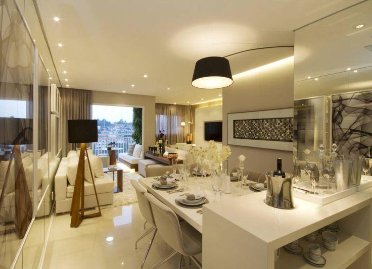 Navegue por fotos de Salas de jantar clássicas: MAC_Otacílio. Veja fotos com as melhores ideias e inspirações para criar uma casa perfeita.