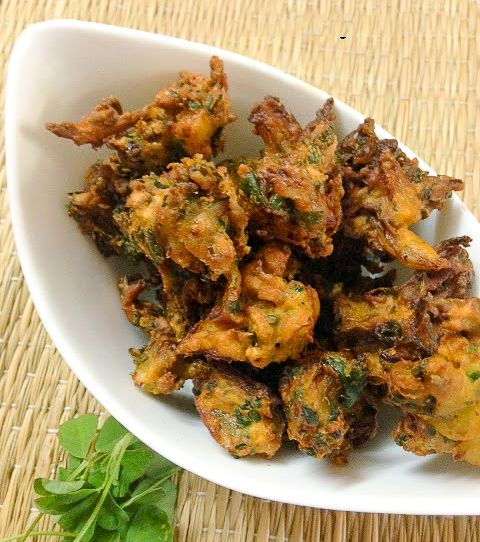 Try these awesome tasty methi pakoras for snack time with a cup of hot tea. Recipe By Kalyani. -->http://ift.tt/1LDXsgz #Vegetarian #Recipes