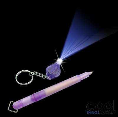 Write secret messages that can only be seen with special UV light with this cool Secret UV Pen with Light. Mark your valuables with your contact details for security purposes or use it in your diary t
