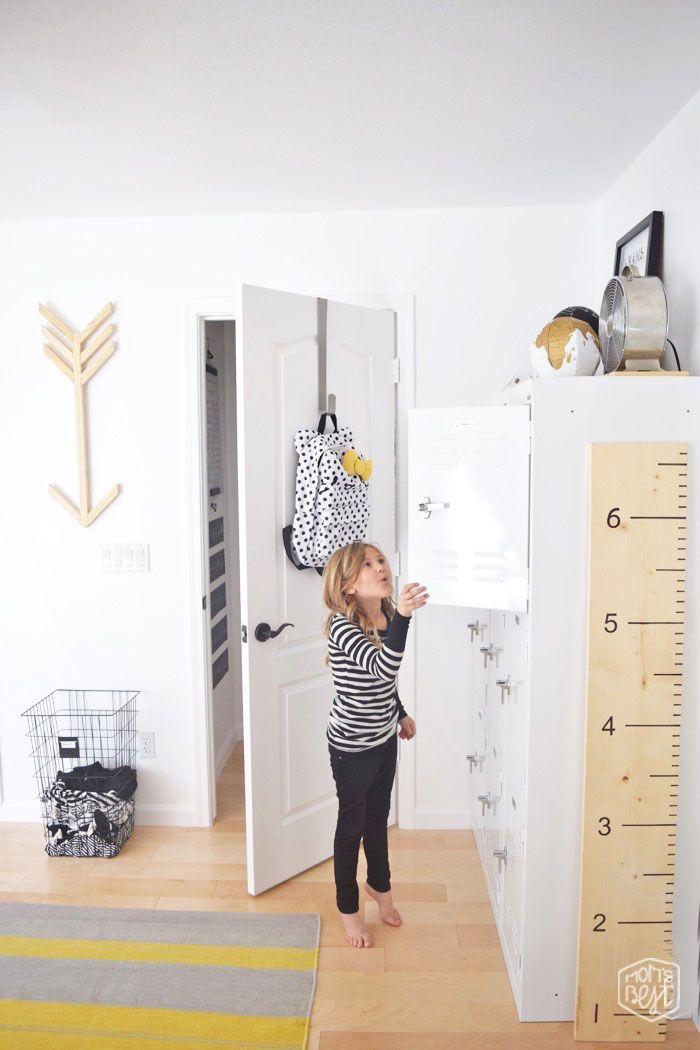 mid century modern kids space…the big reveal…Destination Nursery modern kids room makeover WINNER #5 via momsbestnetwork.com