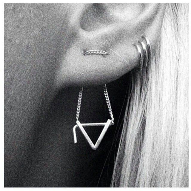 Dainty ear combo // Pinned by andathousandwords.com: