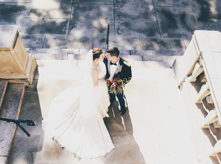 Today's #FridayFeature is Kate and Adam's Pittsburg wedding featured in @redoakweddings where the lovely bride donned her Matthew Christopher gown courtesy of @lovecouturebridal. Read and see more at the link below!  Photo Credit: @levanamelamed  More: http://ift.tt/2nieC1z  #matthewchristopher #matthewbridal #mc #love #dress #bride #bridal #redoakweddings #lovecouturebridal #brides #realwedding #friday #feature #gorgeous #beautiful