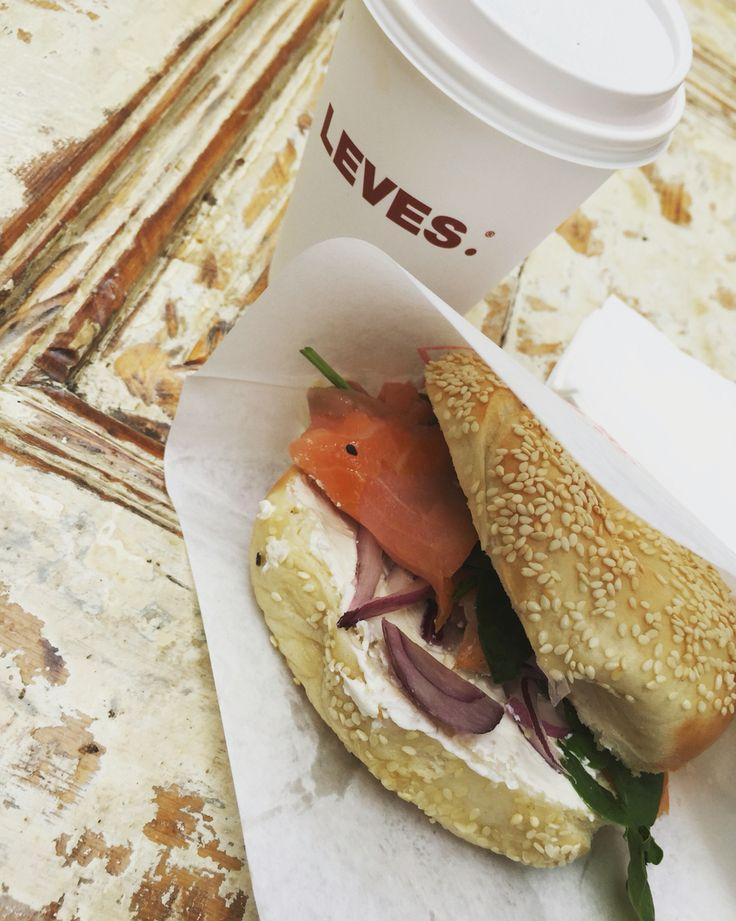 Salmon Bagel+Leves