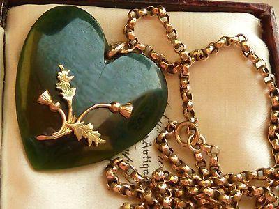 ANTIQUE VICTORIAN JADE & 9CT GOLD HEART PENDANT WTH SCOTTISH THISTLE & 9CT CHAIN