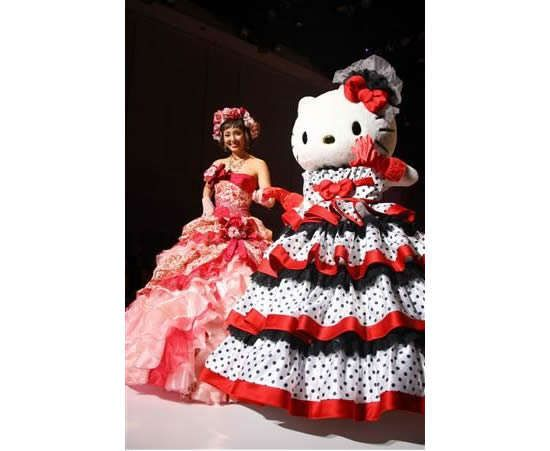 Hello Kitty Wedding Dresses Add a Dash of Cute to your Wedding Day #wedding #inspiration trendhunter.com