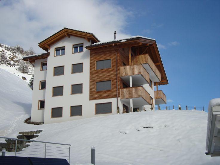 """Geschmackvolle Ferienwohnung """"Vista Muntogna"""" für 6 Personen in Cumbel, Val Lumnezia, Graubünden"""