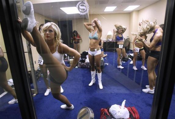 Shetty nude the bathroom hot teen cheerleader bang