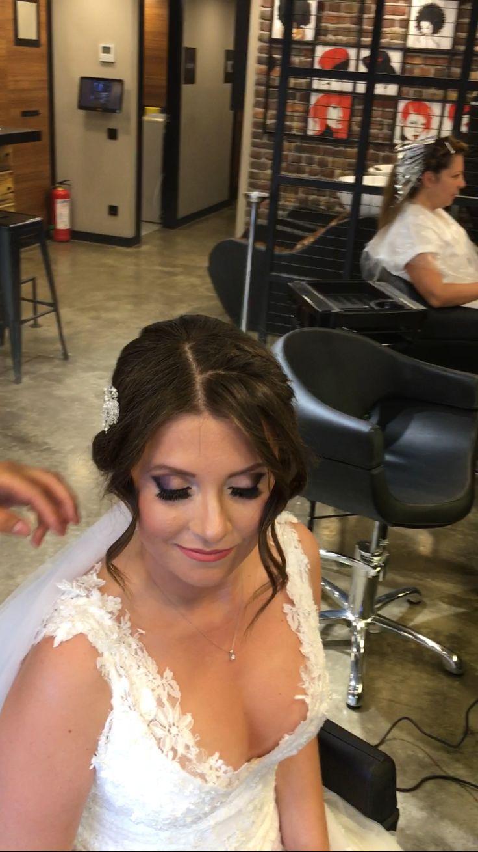MD Gelinleri ❤️💐 Güleryüzlü gelinimize ömür boyu mutluluklar dileriz.. #izmir #gelin #gelinsaci #gelinbasi #sacmodelleri #mutluluk #happy #makyaj #makeup  #weddingtime #hairdesign #lovehair #hairvideo #efsanesaclar #goztepe #guzelyali #sacstilleri #model #hair #hairstyle #naturel #soft #beautiful #wedding #bridal #love #mdsactasarim @mdmetindemir