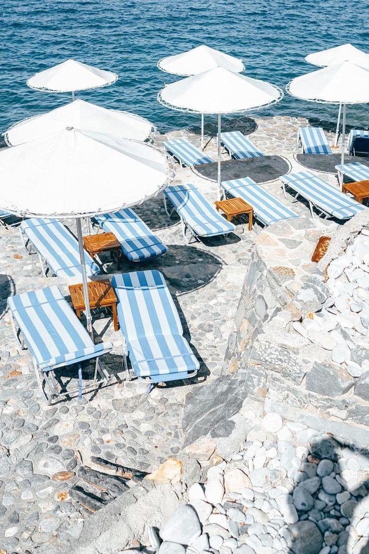 A vacation in Greece   Image via @belenhostalet