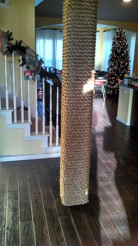 Rope wrapped column for boat /nautical decor. Would be nice to put sea shells on…
