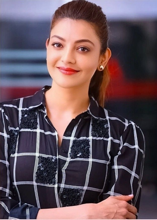 Kajal Aggarwal In 2020 Beautiful Bollywood Actress Blouse Designs Silk Girl Photos