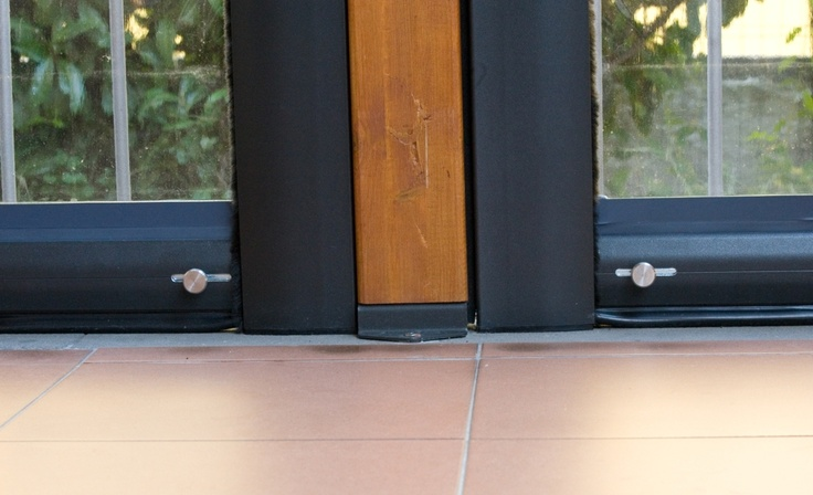 Pergole, pergole retractabile cu structura lemn Med Elite Gibus pentru acoperire si inchidere terase. Detaliu fixare pergole lemn Elite.