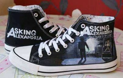 Love the converse and band idea:) this with muse or imagine dragons or sleeping with sirens!^.^ perfect!