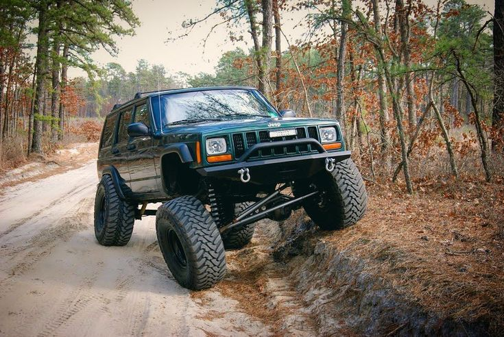 """1,074 Likes, 3 Comments - Ben Hooven (@benhooven) on Instagram: """"Nothing beats a wood cruise #jeep #cherokee #xj #claytonoffroad #3link #longarms #jeepxj #jeepbeef…"""""""