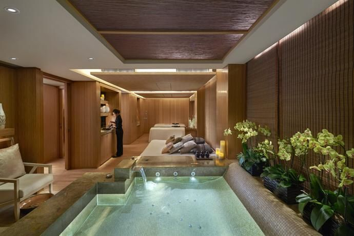 OopsnewsHotels - The Landmark Mandarin Oriental Hong Kong. 5 Stars Hotels with Spa and Wellness Centre and guest rating Superb 9, Hong Kong. Located in Central, this hotel is five minutes from Lan Kwai Fong and HSBC Main Building. It offers 5-star air-conditioned rooms and a stylish restaurant.