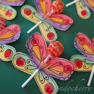 this  party is fabulous and totally doable. love these lollies!