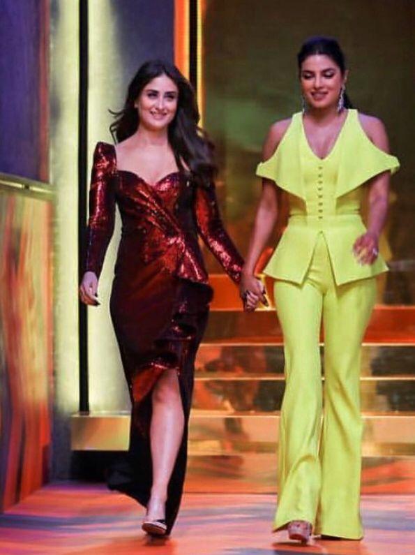 Priyanka Chopra And Kareena Kapoor Light Up The Finale Episode Of Koffee With Karan Hungryboo Bollywood Girls Most Beautiful Bollywood Actress Kareena Kapoor