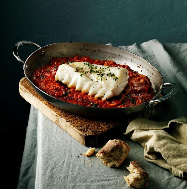 Merluzzo Skrei al forno con aglio e pomodoro