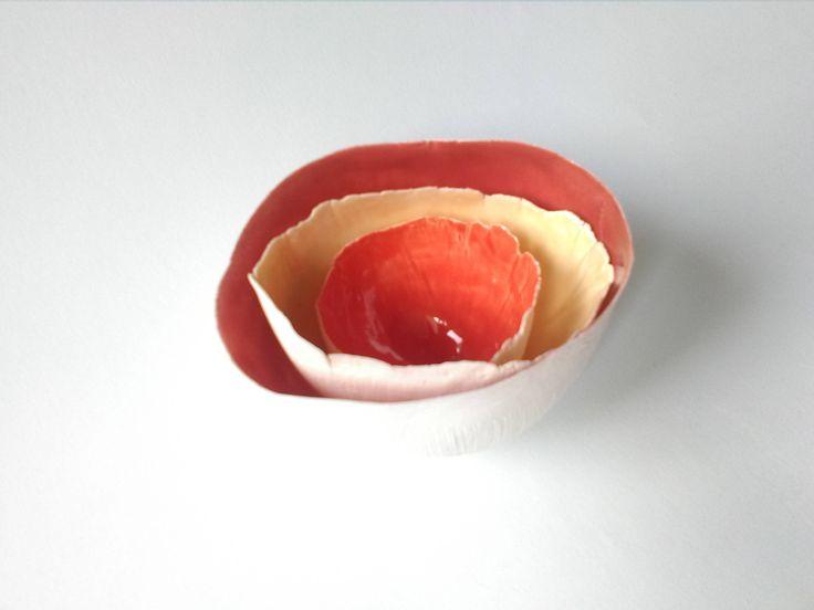 """Ciotole ceramica da meditazione """"Coralli"""", trittico di ciotoline in porcellana rossa e arancio, ciotole decorative con smalti di MIluminashop su Etsy"""