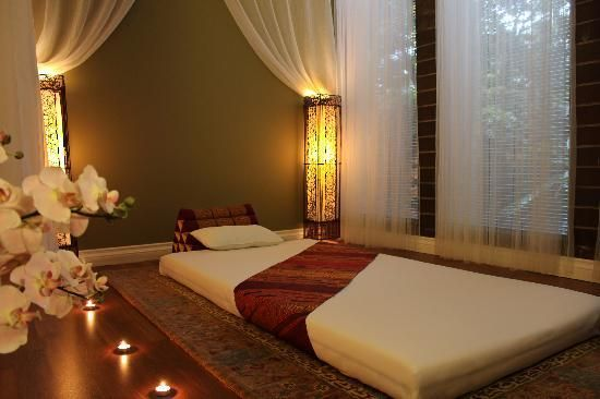 Smile Thai Wellness Spa: Traditional Thai Massage Room