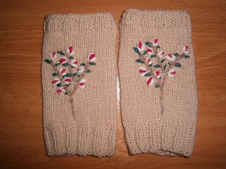 Lia B. Creations: Wrist Warmers ww022
