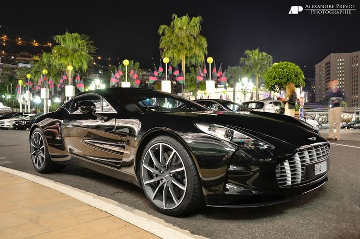 Aston Martin One-77 in all its glory!