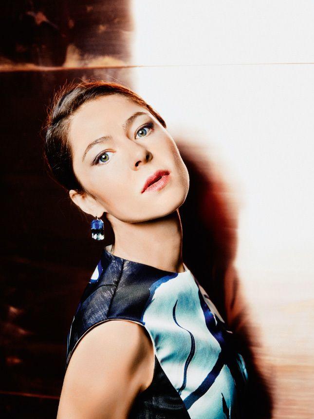 Интервью с Еленой Лядовой, известной по фильмам «Левиафан» и «Елена» Андрея Звягинцева | GLAMOUR