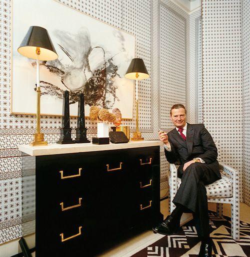 ANWM4Y David Hicks interior designer at home