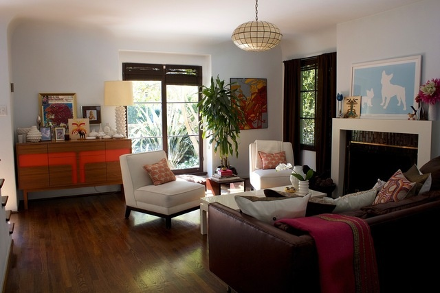 7 tips for successfully renting out your space to homestay for Rectangle living room designs