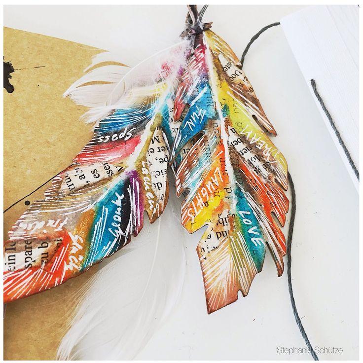 Paper Feathers made with @sizzix Bigz Die. http://scrapmanufaktur.blogspot.ch/2015/04/sizzix-feder-duo-von-tim-holtz.html?m=1