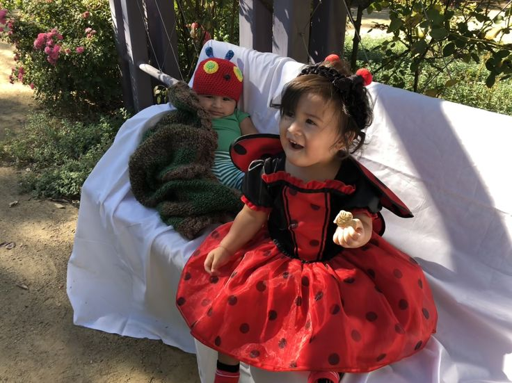 Hungry caterpillar meets the lovely lady bug toddler/baby shoot. #ladybug #baby #babygirl #babyboy #dressup #leonardo #kids #fashion #hungrycaterillar #crochet #costume #momlife #emma