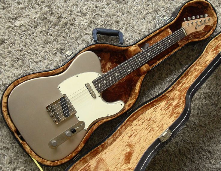 1962 Telecaster Reissue Custom built in Nashville USAComes with Vintage Thermometer Case!This guitar is a dead ringer for a real 62 Tele in rare Shoreline Gold with the added bonus of a chunky neck profile. All the best parts (vintage reissue Fender) were used to build this tele. All the paint ... #vintageguitars